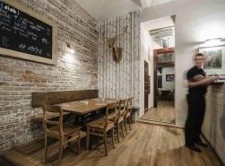 Tapeta Cole&Son - Wood & Pearls v restauraci Dish