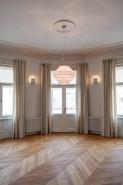 Realizace závěsů, včetně zakázkově vyráběných tyčí, byt Praha 1